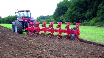 Semi-Mounted reversible plough ATLANT 180 working process