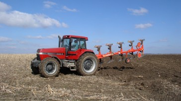 Mounted reversible plough ASTER 140 Turning position