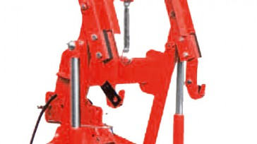 Hydraulic linkage for sowing machine