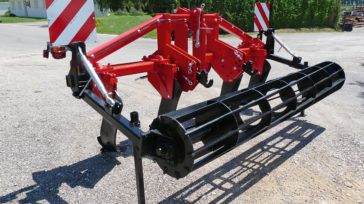 Subsoiler SCD with slatted roller