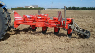 Subsoiler SSD with slatted roller